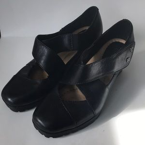 Earth black leather 6.5 fly wedge Mary Jane shoes